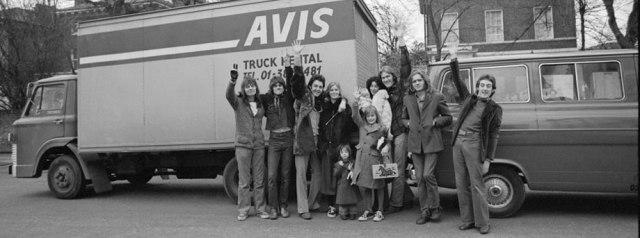 להקת כנפיים בכניסה לאוניברסיטת נוטינגהאם, 9 בפברואר 1972